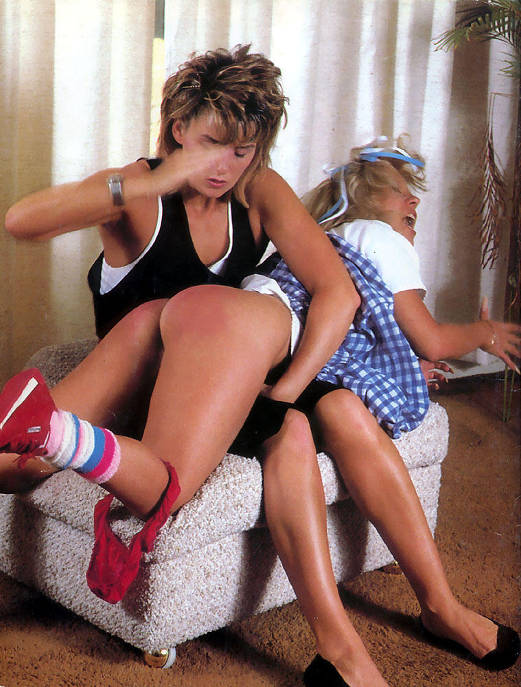 Free Bare bottom spanking Porn Videos